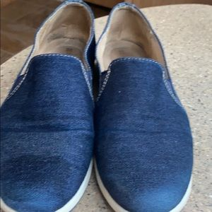 Naturalizer N5 comfort size 8 sneakers